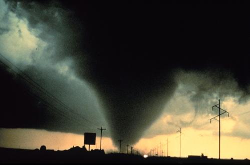 https://www.vcalc.com/attachments/1e5a34e2-f145-11e9-8682-bc764e2038f2/tornado.jpg